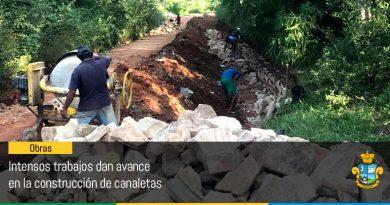 Intensos trabajos dan avance en la construcción de canaletas